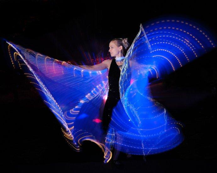 Stefanie Fleschutz Dance with Fire Lichtshow